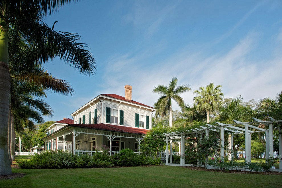 Edison, Ford and Firestone set up Winter Estates