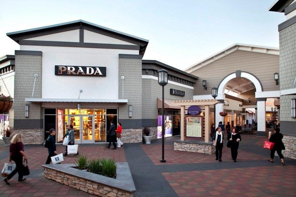 Premium Outlets Women Clothing Stores