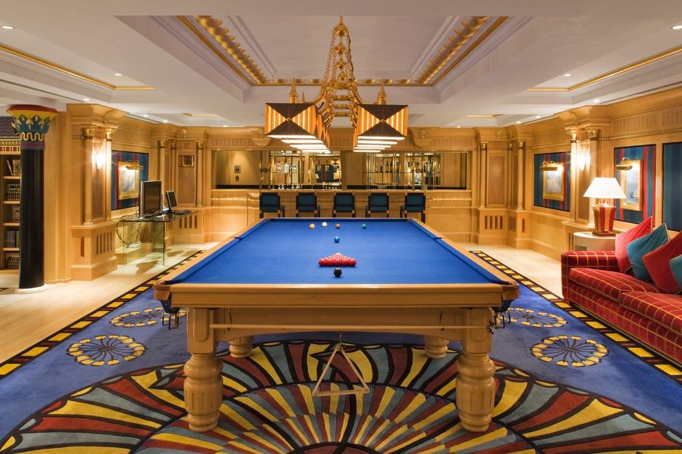 10best checks out dubai 39 s burj al arab hotel hotels photo for Dubai hotels 7 star rooms