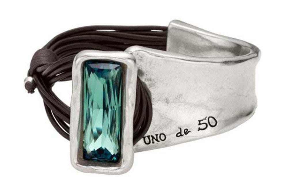 Handcrafted Spanish jewelry from Uno de 50