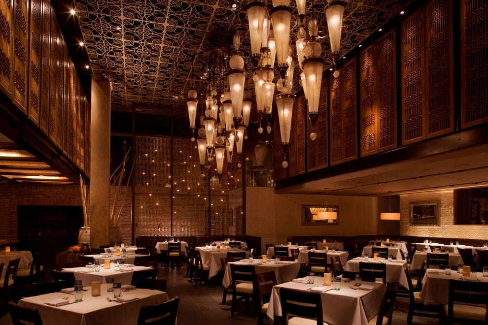 10 best dining you don 39 t have to splurge to enjoy a for Cuisine las vegas