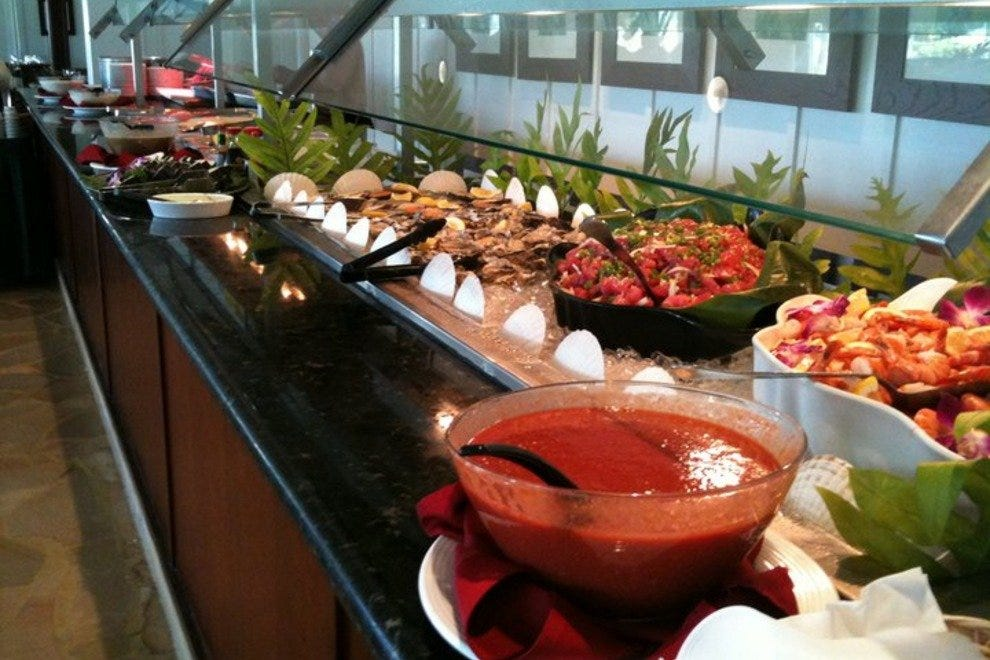 Naupaka Terrace Asian Dinner Buffet