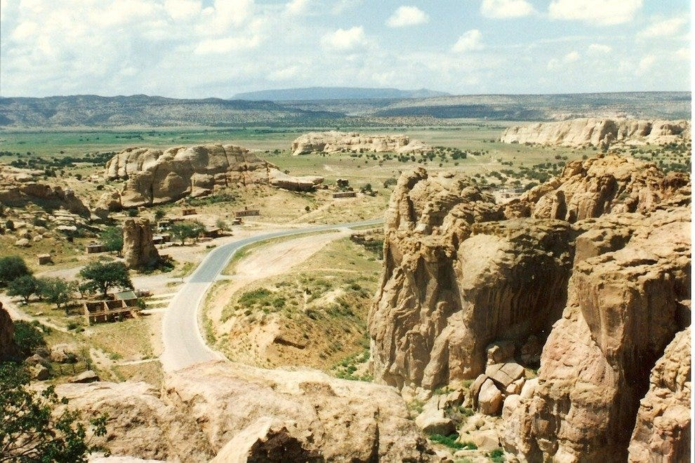 通往Acoma Pueblo的路
