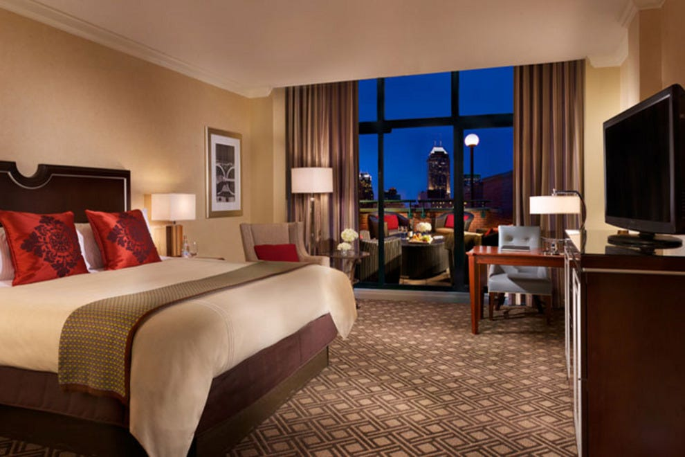 Exterior: Omni Severin Hotel: Indianapolis Hotels Review
