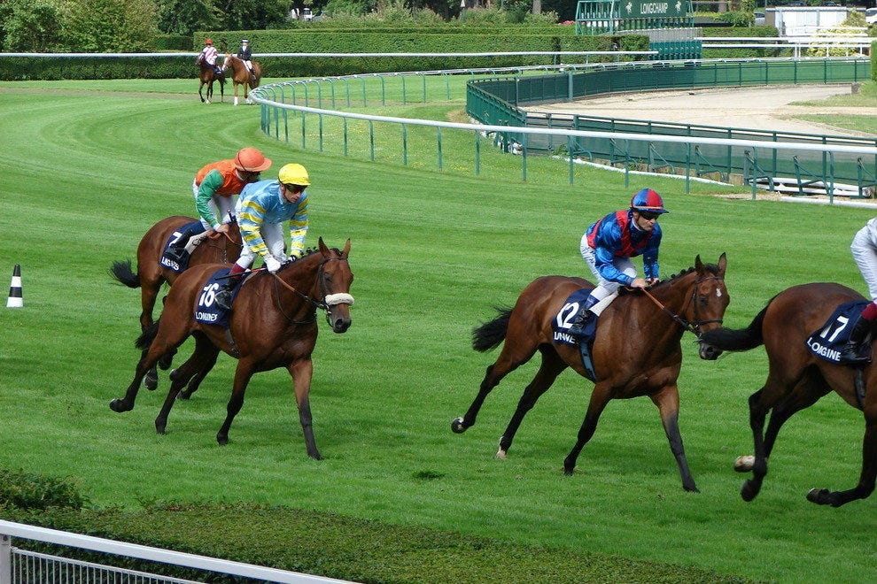 Flat races at Longchamp