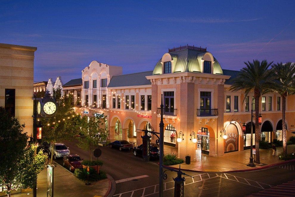 Christmas Shopping: Shopping in Las Vegas