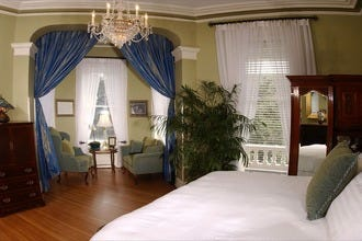 Savannah's Romantic Hotels Combine Southern Hospitality, Old World Charm and Luxury