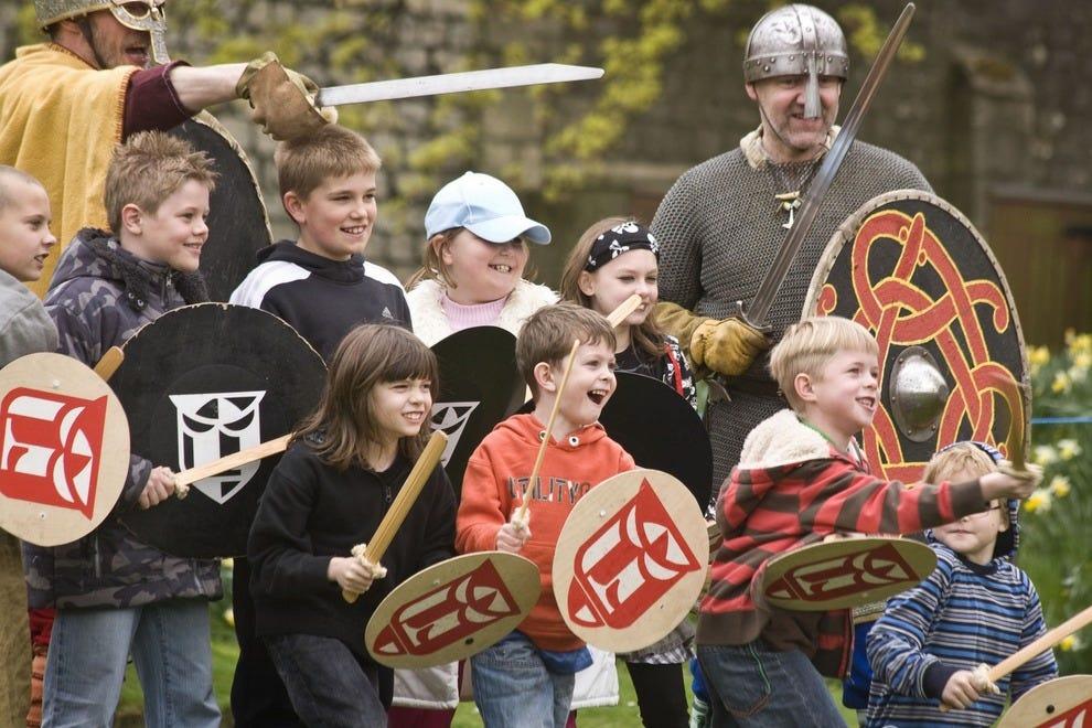 Visitors learn viking battle tactics