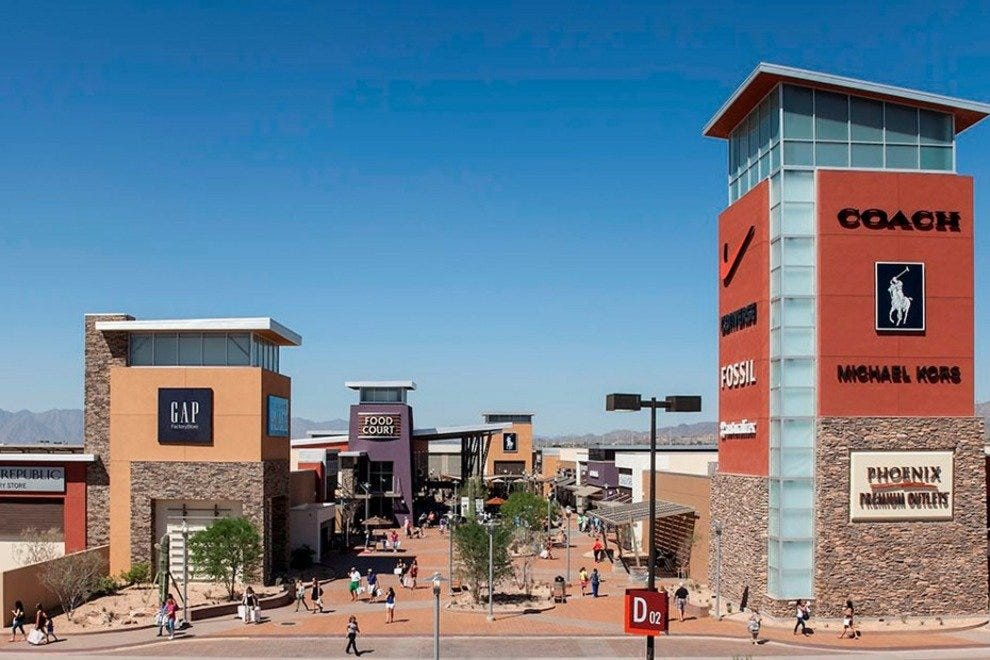 The new Phoenix Premium Outlets marks the Arizona outlet debut of many high-end fashion brands