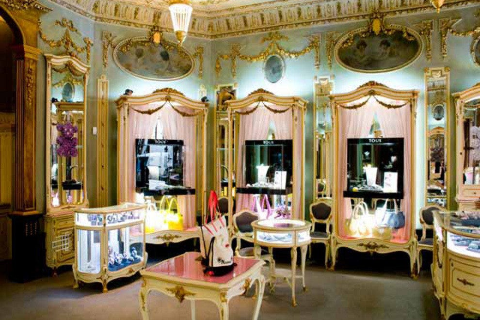 The gilded Louis XV-style interior of Tous Rua Garrett Lisboa