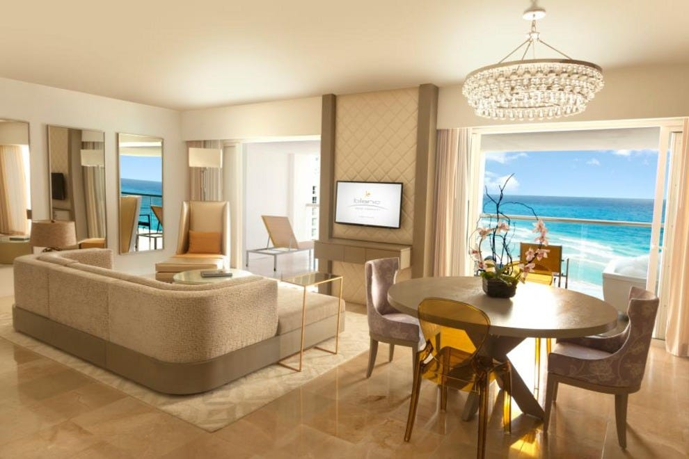 Le blanc spa resort all inclusive adults only canc n for Le salon blanc