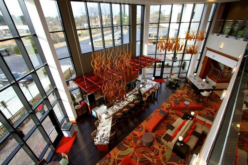 The cool lobby bar of the Memphis Marriott East