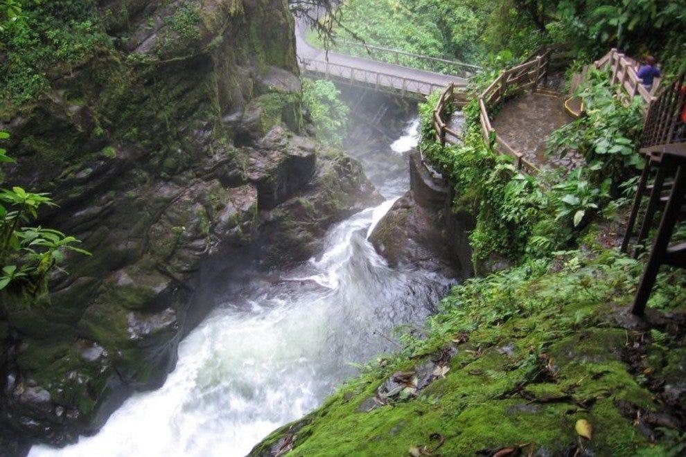 拉巴斯瀑布