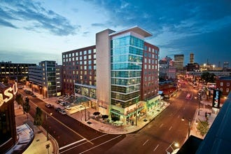 Hotels near FedExForum