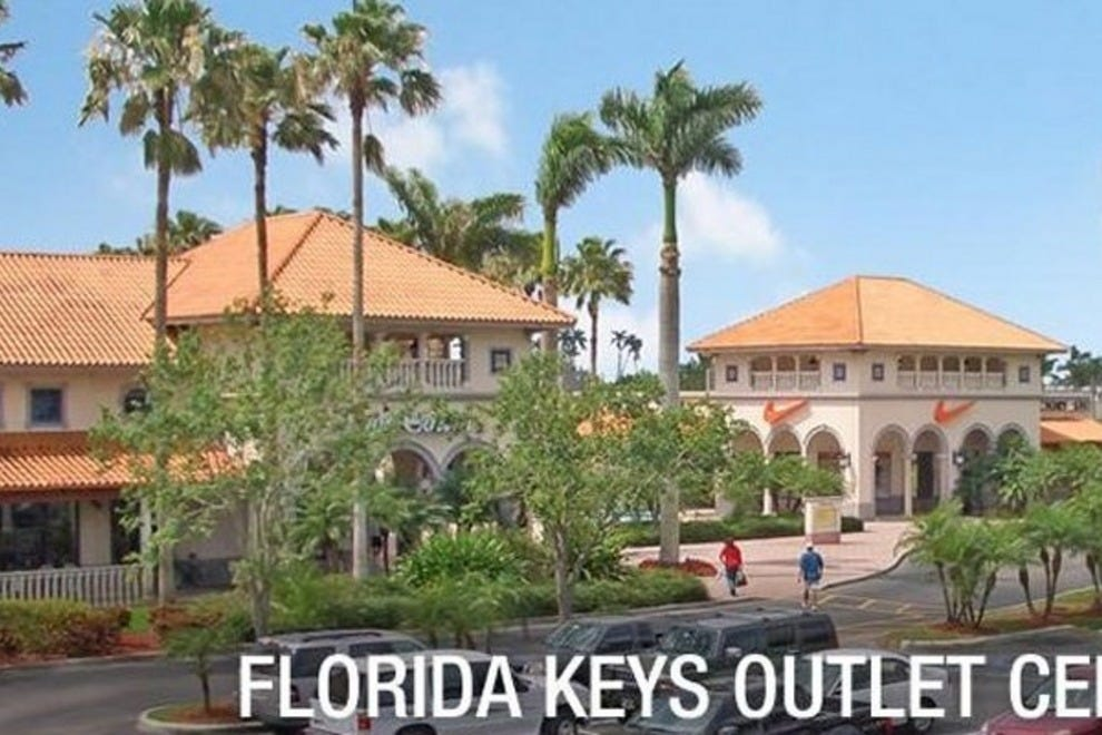 Miami Outlets. Our Miami outlet mall guide shows all the outlet malls in and around Miami, helping you locate the most convenient outlet shopping based on your location and travel plans. OutletBound has all the information you need about outlet malls near Miami, including mall details, stores, deals, sales, offers, events, location, directions and more.