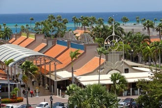 Make Every Minute Of Shopping In Downtown Oranjestad Count