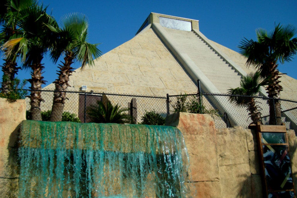 Cancun Lagoon Miniature Golf