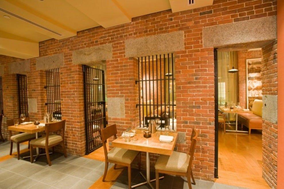 Alibi Bar And Lounge Boston Nightlife Review 10best