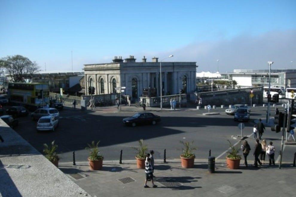 Hotels Near Dublin Cruise Port