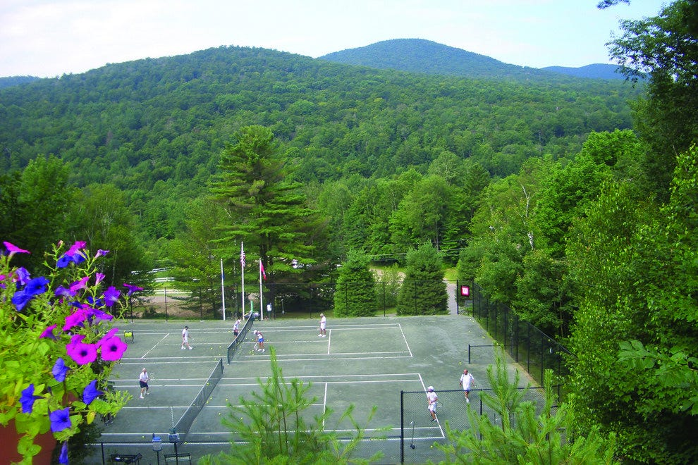Outdoor tennis courts at Topnotch