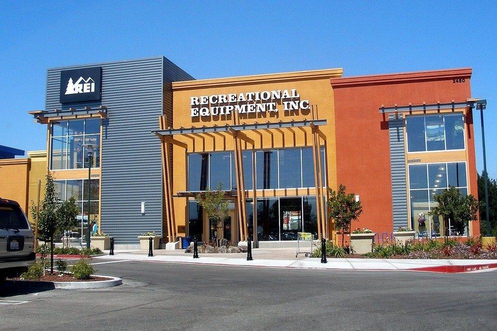 fac20c5084b15c Ventura s Best Shopping  Shopping in Santa Barbara