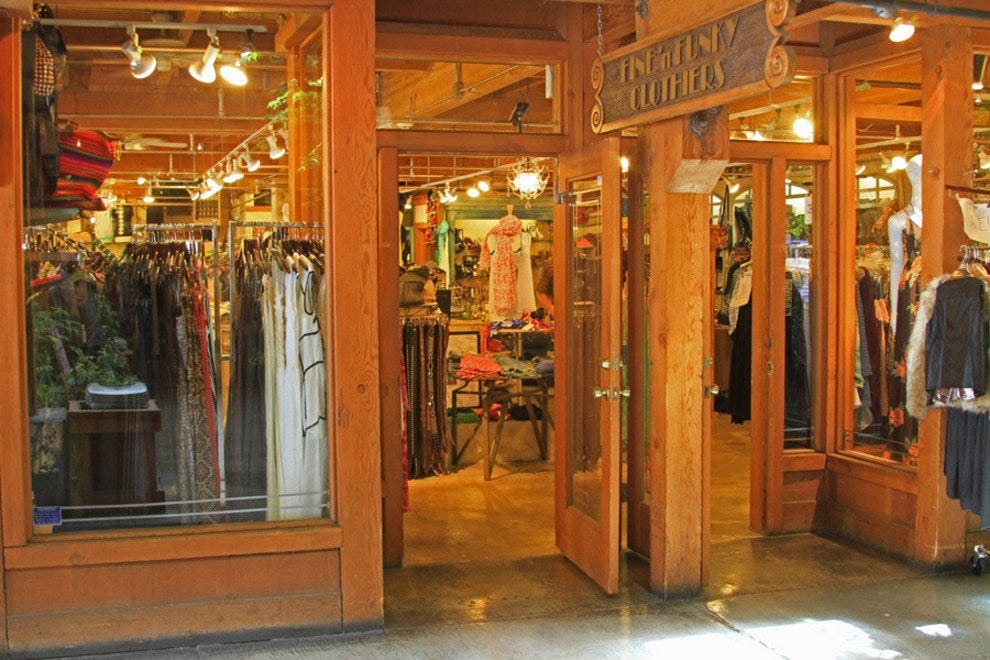 Unr clothing store