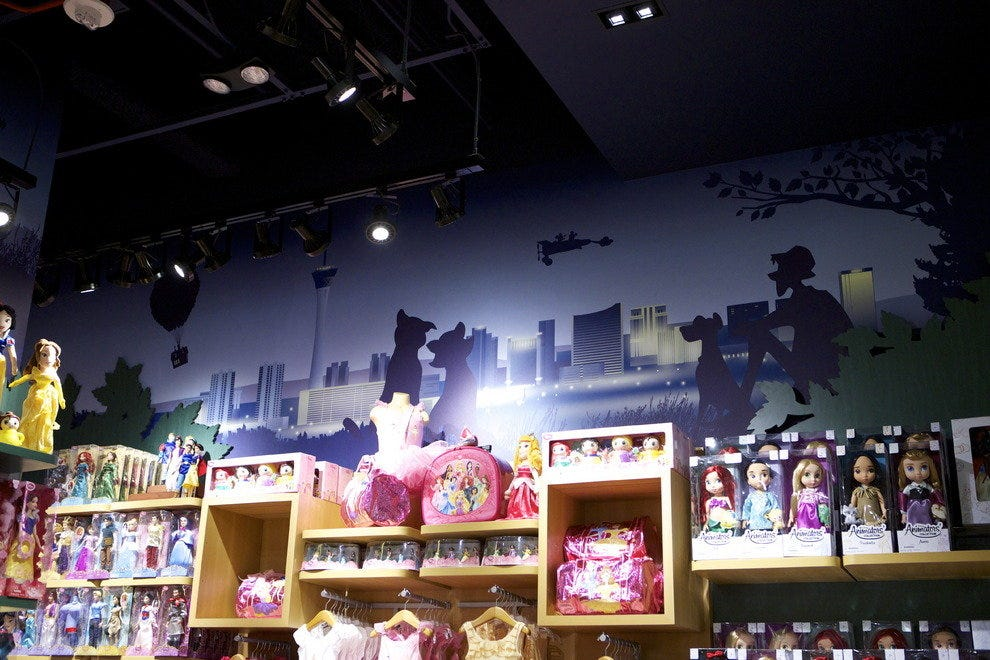 As guests enter the new Disney Store and look above, they will see a unique skyline with iconic Disney storytelling scenes and Las Vegas landmarks