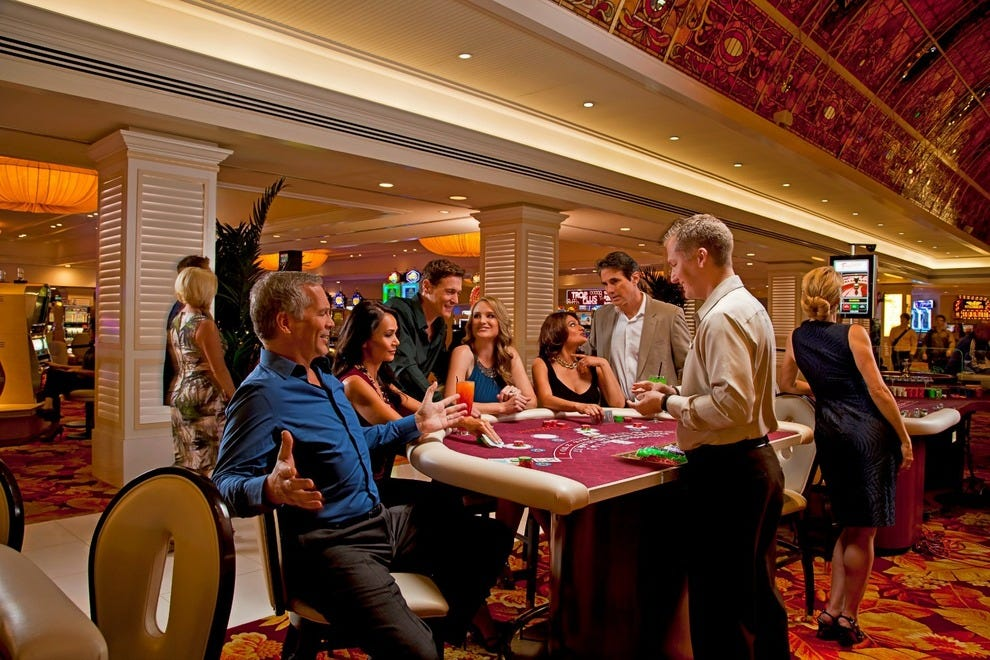 encore club casino style poker room