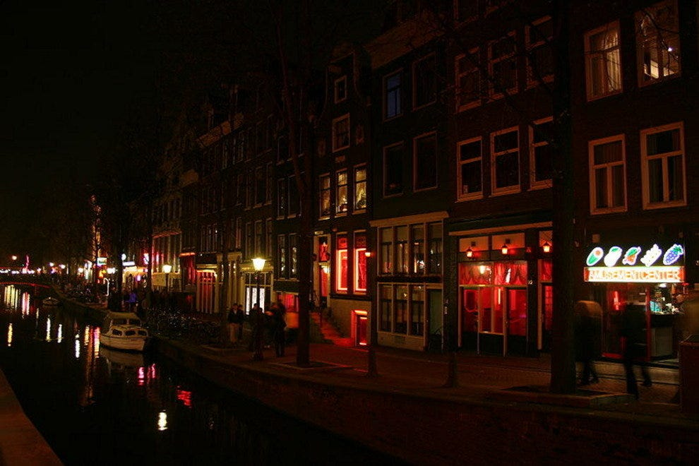 A Look At Amsterdam S Infamous Red Light District Tours