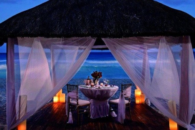 Romantic Dining in Cancún