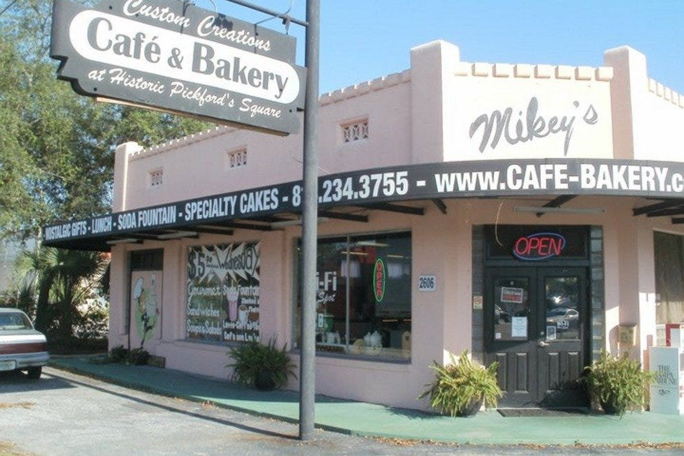 Mikey's Cafe and Bakery Co.