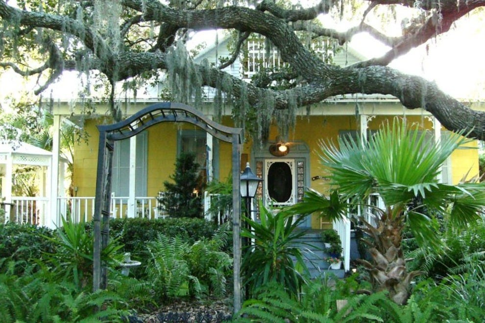 Savannah Beach Bed And Breakfast Inn