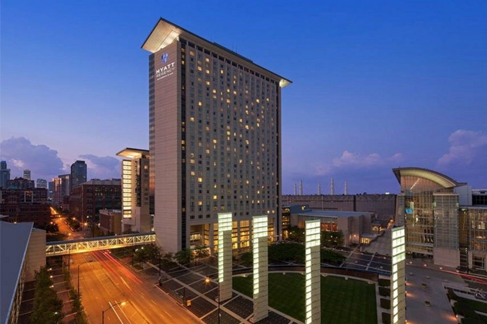 Hotels near soldier field hotels in chicago for Hotel accommodations chicago