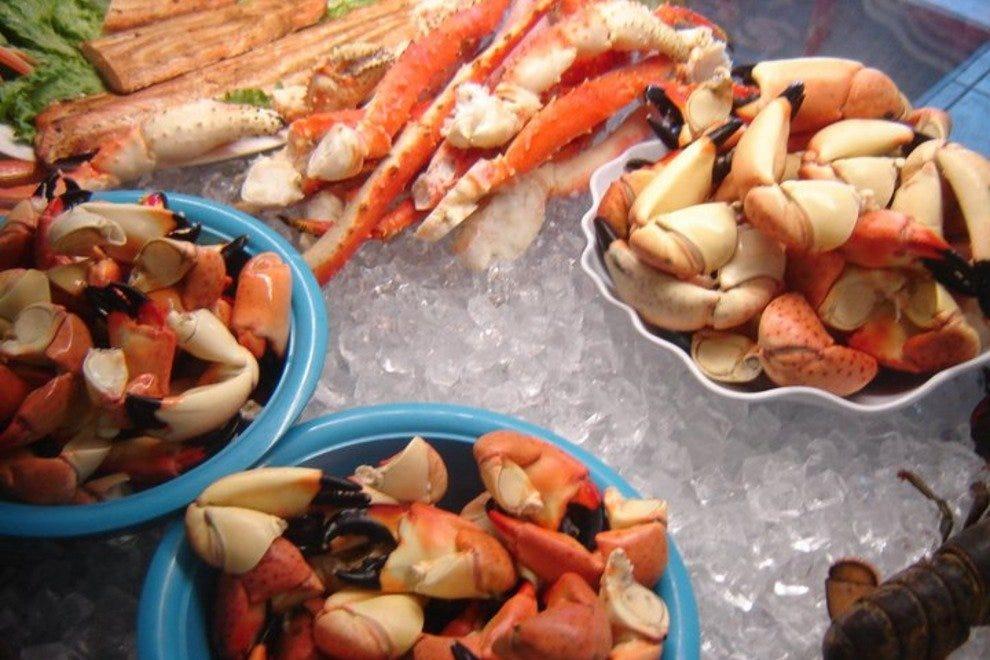 Fort myers seafood restaurants 10best restaurant reviews for Florida fish market