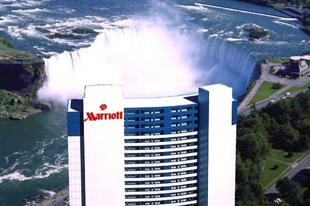 Best Hotels Near Niagara Falls