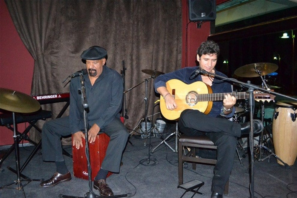 This lounge features live jazz acts
