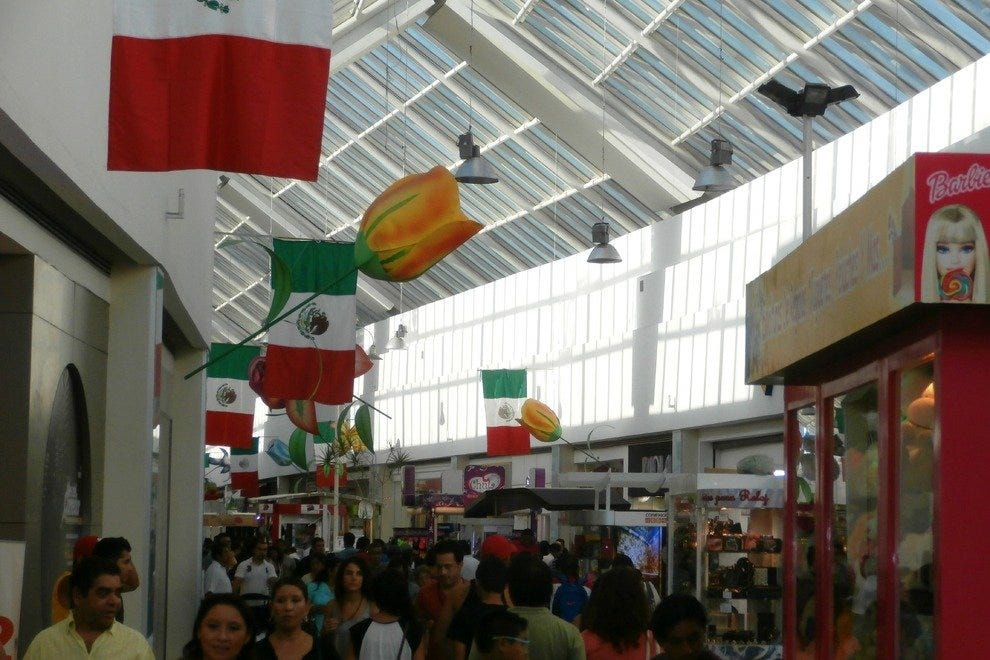 Plaza Las Americas is the older section of the mall