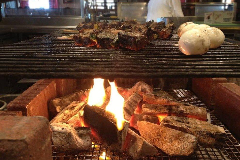 蜻蜓Robata烧烤和寿司