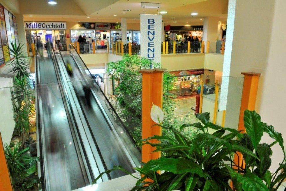 La Scaglia购物中心