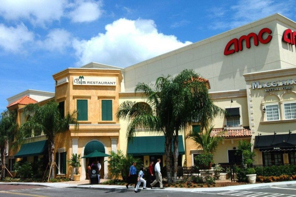 shops and shopping centers Discover your Tampa shopping adventure. From national names and elite designers to local boutiques and bargain outlets, Tampa Bay's diverse shopping scene is the perfect fit for any style or price range.