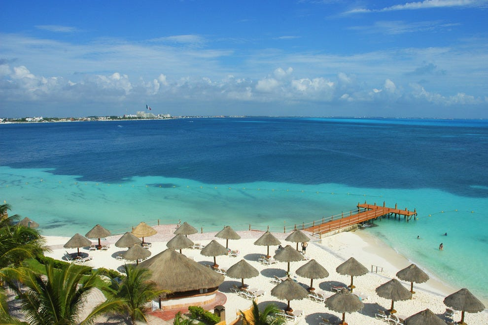 Hot destinations this december where to go when photo for Warm vacation spots in december in usa