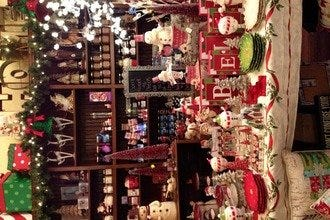America's Largest Christmas Bazaar: Portland Shopping Review ...