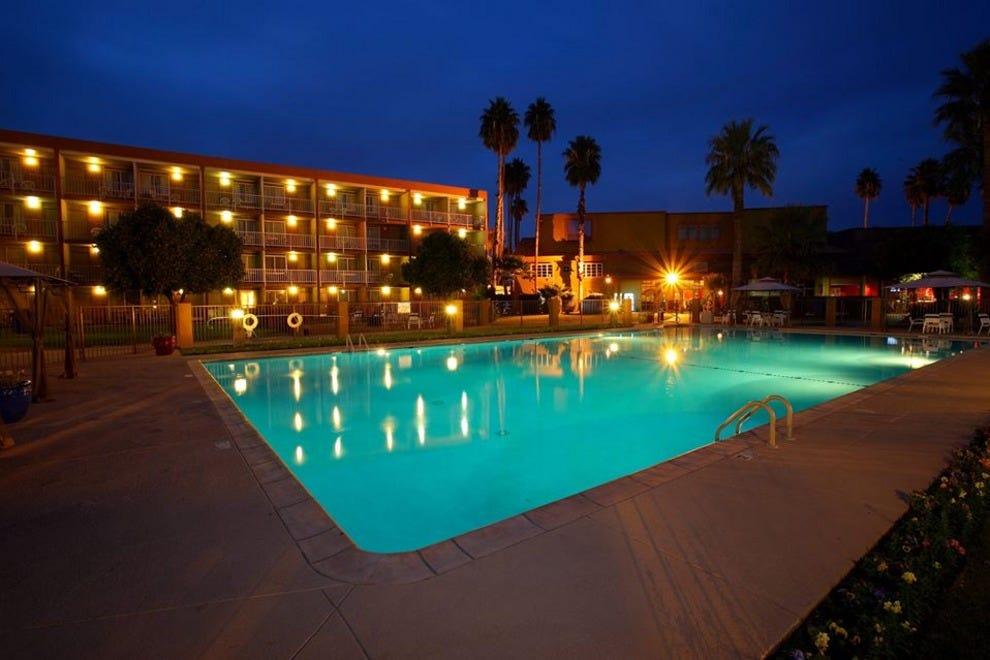 Tucson family friendly hotels in tucson az family - 2 bedroom suite hotels in tucson az ...