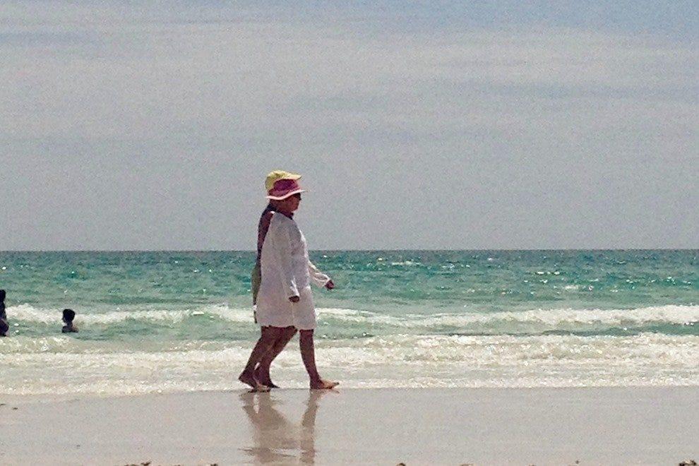 在Sanibel/Captiva上漫步浪漫的海滩