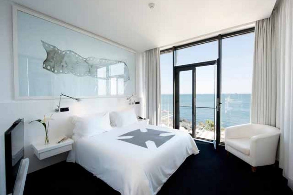 Farol design hotel on the water lisbon hotels review for Decor hotel lisbon
