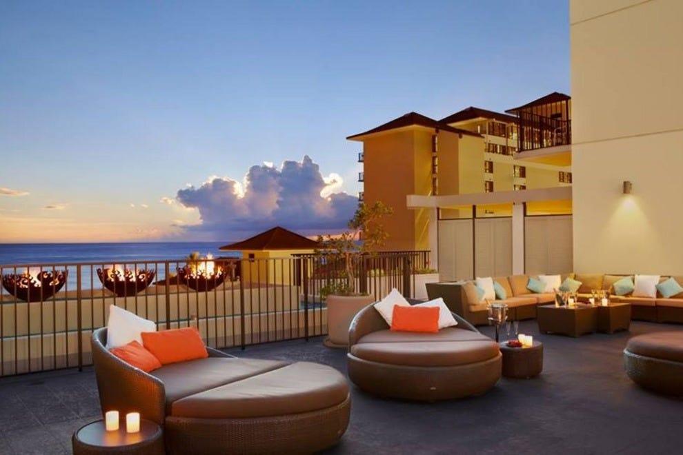 Honolulu romantic hotels in honolulu hi romantic hotel for Best resort designs world