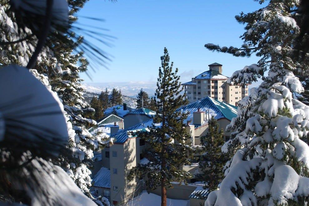 塔霍山脊度假酒店