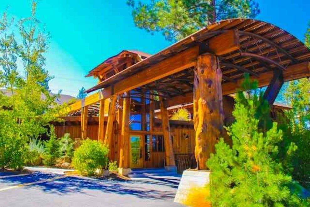 Pet Friendly Hotels Near Truckee Ca