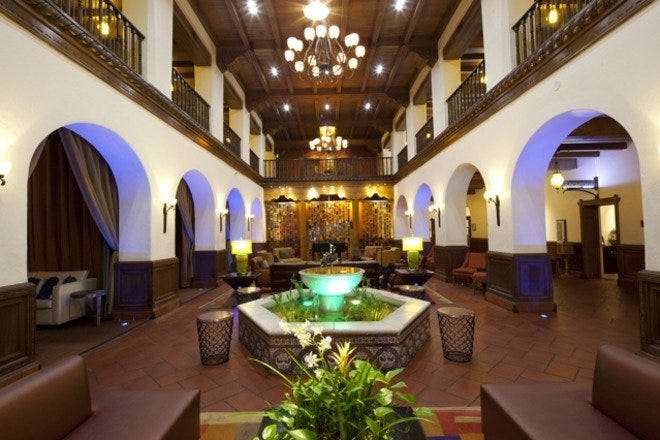 Albuquerque's Hotel Andaluz Celebrates History of Southwest Class