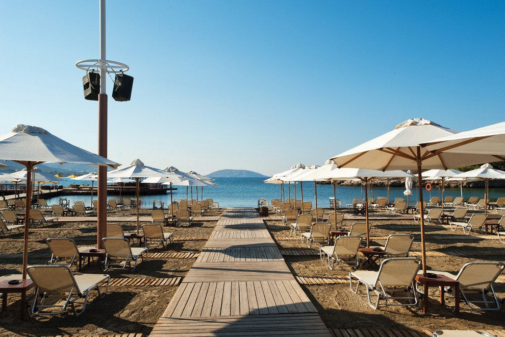 Grand Beach Lagonissi